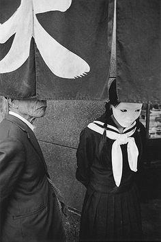 Fotografie von / photo by Shomei Tomatsu - Evident absence, Michiko Takahashi, Tokyo, 1971