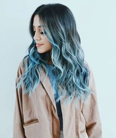 Blue hair trends - The best images Ombre Hair Color, Dye My Hair, New Hair, Your Hair, Dyed Hair Ombre, Dyed Hair Blue, Green Hair Dye, Pastel Blue Hair, Hair Color Blue, Hair Colors