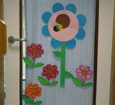portas decoradas de sala de aula - flores
