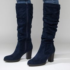 White Mountain Shoes Carmilla Navy Boot (380 PEN) ❤ liked on Polyvore featuring shoes, boots, almond toe boots, navy shoes, navy blue boots, navy blue shoes and navy boots