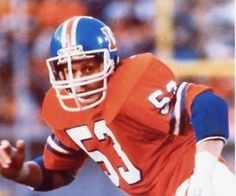 6d114378 Randy Gradishar made 6 straight pro bowls and it's a travesty he's not in  the Hall