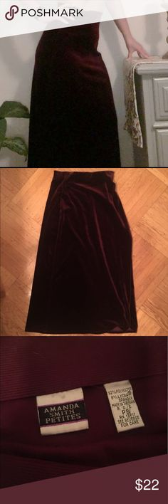 Amanda Smith Petites vintage velvet texture skirt Beautiful velvet texture maroon vintage skirt easily dressed up of down for any occasion. Measurements upon request amanda smith petites Skirts Midi
