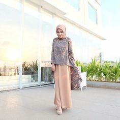 Inspirasi outfit kondangan – N&D<br> Kebaya Muslim, Kebaya Modern Hijab, Kebaya Hijab, Kebaya Dress, Muslim Dress, Hijab Casual, Hijab Simple, Casual Jeans, Abaya Mode