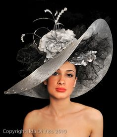 Ilda Di Vico Coutre Millinery Ltd Kentucky Derby Fashion, Kentucky Derby Outfit, Derby Outfits, Crazy Hats, Fancy Hats, Big Hats, Millinery Hats, Stylish Hats, Church Hats