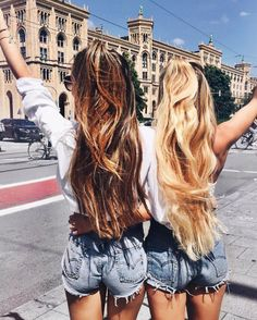 I wished I had a bff Best Friend Pictures, Bff Pictures, Friend Photos, Squad Pictures, Travel Pictures, Best Friend Fotos, Best Friend Outfits, Photos Bff, Best Friend Photography