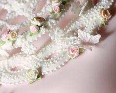 Donatella Semalo Royal Icing Cakes, Rose Cake, Cake Decorating Tips, Sugar Art, Cake Creations, Beautiful Cakes, Gingerbread, Wedding Cakes, Sweets