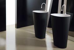 Die Waschbeckensäule Body und viele weitere Designprodukte rund ums Badezimmer, finden Sie in den grossen Bad- und Plattenausstellungen von Keramikland.