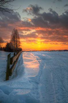 Landscape Photography Tips: Magical Nature Tour Winter Szenen, I Love Winter, Winter Sunset, Winter Magic, Winter Light, Beautiful Sunset, Beautiful World, Beautiful Places, Beautiful Pictures