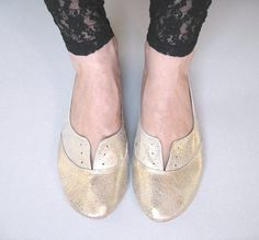 Oxfords Shoes in Soft Gold Leather by elehandmade on Etsy