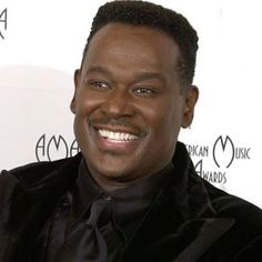Maestro himself, Luther Vandross the most amazing R & B singer ever ! Music Icon, Soul Music, My Music, Luther Vandross, Dance With My Father, Old School Music, Soul Singers, Piano Songs, Before Us