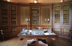 The library at Melford House Library Study Room, National Trust, Reading Room, Bookshelves, Libraries, Vintage Stuff, House, Period, Rooms