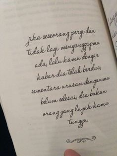 Heart Quotes, Love Quotes, Inspirational Quotes, Un Break My Heart, 3 Best Friends, Book Qoutes, Quotes Galau, Self Reminder, Quotes Indonesia