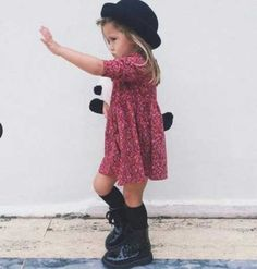 in this gallery of toddler dress outfit ideas will give you the top spring designs for cute and stylish little girls alike, giving a lot of alternatives. Stylish Little Girls, Little Girl Outfits, Stylish Kids, Little Girl Style, Little Girl Fashionista, Toddler Girl Style, Toddler Girl Outfits, Toddler Dress, Stylish Toddler Girl