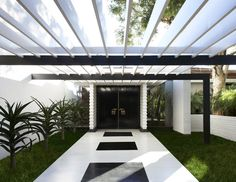 The entrance to the Brody House by A. Quincy Jones.  Interiors by Billy Haines, landscape by Garrett Eckbo.