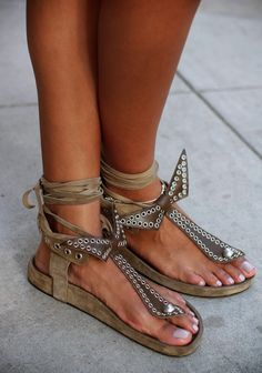 OMG! I'm in LOVE with these Sandals! Have to have a pair!