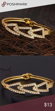Beautiful Bracelet 18k Gold Filled Bracelet. Beautiful and Elegant. Jewelry Bracelets