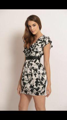 Hanna floral dress. Www.bezooe.com