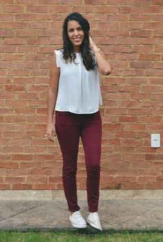 Pin by denise alarcon on likeme in 2019 Short Outfits, Fall Outfits, Casual Outfits, Cute Outfits, Outfit Pantalon Vino, Burgundy Pants Outfit, Vestidos Color Vino, Western Dresses, Office Outfits