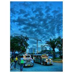#jeepney #sky #clouds #philippines #ジープ二ー #空 #雲 #フィリピン