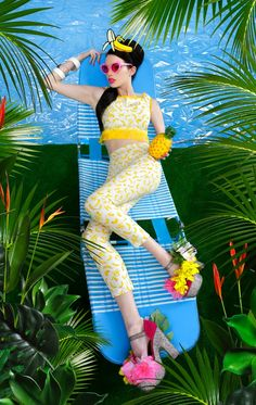 laurel and hector lip service banana top and trousers and pop art headpiece Estilo Tropical, Tropical Style, Tropical Heat, Tropical Vibes, Tropical Paradise, Quirky Fashion, New Fashion, Fashion Shoot, Editorial Fashion
