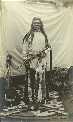Peo-peo-ta-lakt (aka Pio-Pio-Ta'likt, aka Bird Alighting) - Nez Perce - 1898