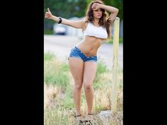 Daisy Dukes Bring Joy To The World. Hot Girls In Daisy Dukes. 29 Photos of Hot Girls in Daisy Dukes jean shorts. Shorts Sexy, Short Shorts, Short Jeans, Pernas Sexy, Beauty And Fashion, Style Fashion, Girl Fashion, Femmes Les Plus Sexy, Sexy Women
