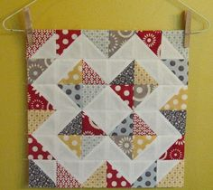 More half square triangles Half Square Triangle Quilts Pattern, Quilt Square Patterns, Square Quilt, Easy Quilts, Small Quilts, Mini Quilts, Quilting Projects, Quilting Designs, Modern Quilt Blocks