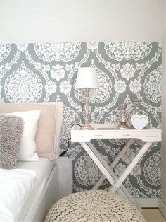 traumzuhause: Pouf + Tabletttisch = Ich liebe dieses Schlafzimmer