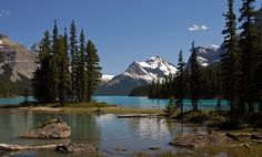 Maligne Lake, a photo from Alberta, Spirit Island.