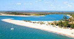 Madagascar et ses atouts touristiques by Hôtel*** Restaurant gourmand Coco Lodge Majunga
