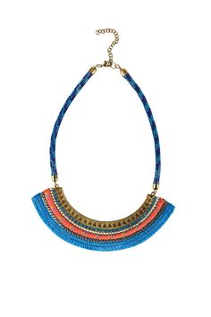 Necklace decorated with blue fringes