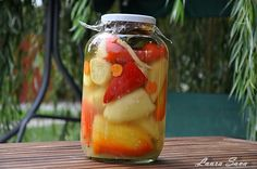 Ardei grasi umpluti cu varza (alba) Preserves, Pickles, Mason Jars, Ale, Vegetables, Tableware, Recipes, Food, Romania