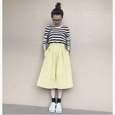 待ってました!こんなスカート♡BUY!BAILAのモニターで頂いたスタイリスト佐藤佳菜子さんとのコラボスカート!ボリュームのあるスカートは好きだけどあり過ぎるとホビットの私には下にボリュームが出過ぎて抵抗があったんですが、このコラボスカートは違うんです!ボリュームは残しつつ痩せ見・・・