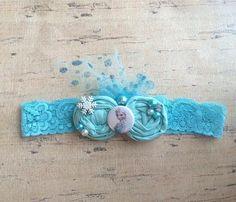 He encontrado este interesante anuncio de Etsy en https://www.etsy.com/es/listing/195625509/elsa-inspired-frozen-rosette-lace