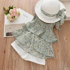 Bear Leader Girls Clothing Sets Summer New Special ethnic style holiday suits Girls printed camisole + casual shorts Send hat Cute Summer Outfits, Kids Outfits, Holiday Suits, Chiffon Floral, Looks Chic, Embroidered Shorts, T Shirt And Shorts, Dress Hats, Petite Outfits