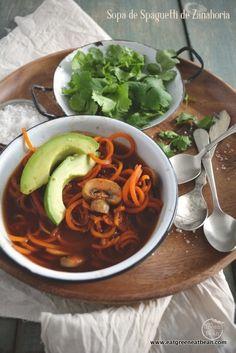 """Sopa de """"Spaguetti"""" de Zanahoria con Champiñon"""