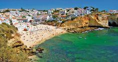 Dar cum ajung acolo? Si ce fac acolo? Si unde e Algarve? Hai ca iti raspundem noi. Iata mai jos un Ghid de calatorie - Destinatia: Algave.