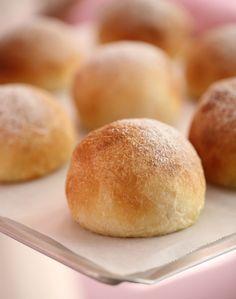 Myke og fine frokostrundstykker - Passion For baking Bread Rolls, Freshly Baked, No Bake Desserts, No Bake Cake, Sandwiches, Brunch, Food And Drink, Cooking, Breakfast