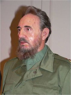 These photos were taken at the Madam Tussauds in Vienna, are they a good likeness? Wax Museum, Fidel Castro, Madame Tussauds, Shape Art, French Revolution, Fantastic Art, French Artists, Celebrities, Vienna