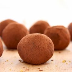 These Superfood Vegan Chocolate Truffles are made with only 2 ingredients! Plus, they're awesomely healthy, vegan and gluten-free! Recipe by thepetitecook.com