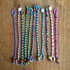 13 different ways to make a friendship bracelet!