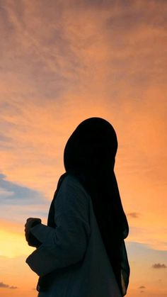 Aesthetic Couple, Aesthetic Pictures, Teen Photography Poses, Nature Photography, Islamic Girl Pic, Cute Black Wallpaper, Iphone Wallpaper Sky, Shadow Pictures, Beautiful Nature Pictures