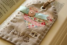 linen + scraps = pretty fabric tag