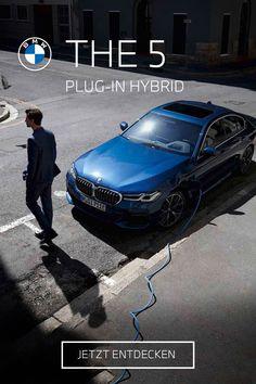 Design und Technik am Puls der Zeit. THE 5. Der BMW 530e Plug-In Hybrid. #electrifyou BMW 530e: 215 kW (292 PS), Kraftstoffverbrauch von 1,6 l/100 km bis 1,3 l/100km, Stromverbrauch von 18,9 kWh/100 km bis 16,3 kWh/100 km, CO2-Emission von 36 g CO2/km bis 31 g CO2/km. Angegebene Verbrauchs- und CO2-Emissionswerte ermittelt nach WLTP. Bmw Z4 Roadster, Bmw X7, Bmw M235i, Bmw 5 Touring, Co2 Emission, Limousine, Vehicles, Design, Touring