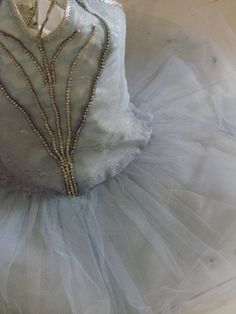 Grungy look wedding dress bodice ... but enchanted..