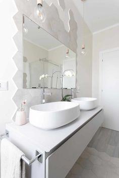 Beautiful Contrasting Visual Display for The Bathroom Modern Bathroom Tile, Bathroom Interior Design, Bathrooms Decor, Visual Display, Bathroom Furniture, Double Vanity, Living Spaces, Sweet Home, The Originals