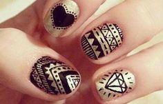 Diseños de uñas pinceladas manos y pies, diseños de uñas pinceladas.  Únete al CLUB, síguenos! #diseñatusuñas #nailsdesign #uñasdemoda