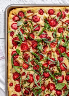 This strawberry focaccia bread is the perfect sweet and savory combo. Caramelized onions, strawberries, basil and flaky salt! Okay – they might add more than a hint of sweetness. But it's in a really good way. The focaccia bread is still chewy and salty – oh and especially those crispy, crunchy edges?! Live for them. howsweeteats.com Strawberry Pizza, Strawberry Recipes, Raisin Sec, How Sweet Eats, Caramelized Onions, Summer Recipes, Food Print, Sandwiches, Favorite Recipes