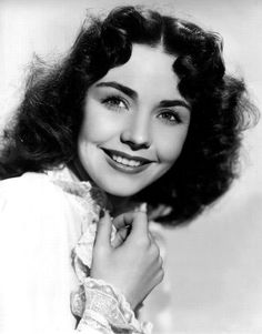 Jennifer Jones...lovely portrait of a beautiful and talented women...and my favorite actress of all...