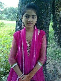 Beautiful Girl In India, Beautiful Girl Photo, Beautiful Indian Actress, Stylish Girl Images, Stylish Girl Pic, Beauty Full Girl, Beauty Women, Desi Girl Selfie, Dehati Girl Photo